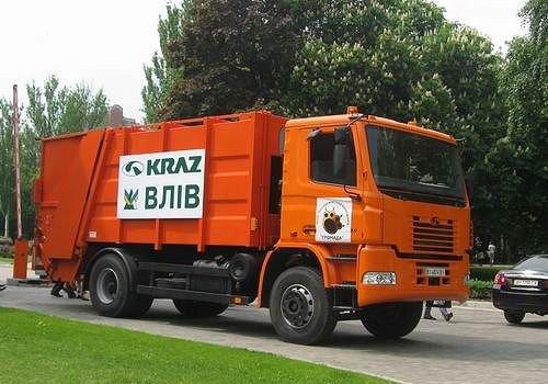 b Кременчугский /b автомобильный завод предлагает Донецку приобрести мусоровоз КрАЗ ВЛИВ.
