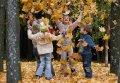 Госавтоинспекция призывает взрослых позаботиться о безопасности детей во время осенних каникул!