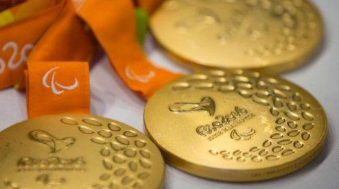 Президент Украины наградил одесских паралимпийцев иихтренеров