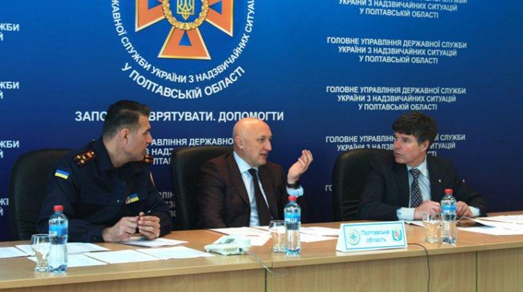 Валерий Головко призвал граждан следить за своими земельными участками. Фото пресс-службы Полтавской ОГА