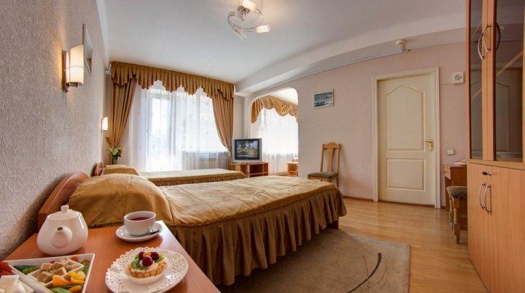Недорогие гостиницы Киева: отель Голосеевский