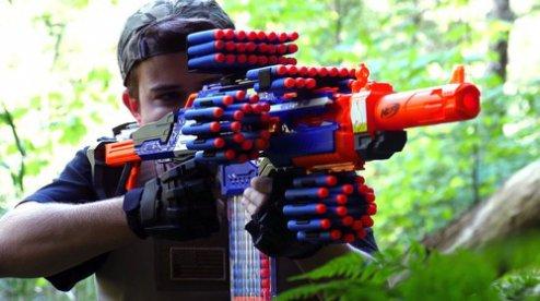 бластеры ружья и другое игрушечное оружие от Nerf