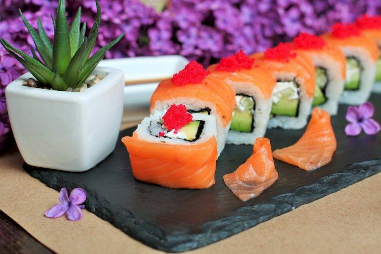 """Картинки по запросу """"ЯпонаХата"""": преимущества доставки суши"""